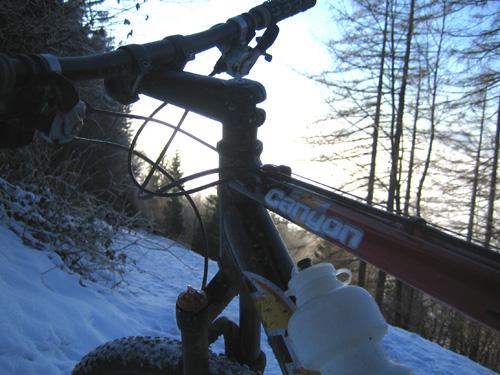 Foto: letsgoactive / Mountainbike Tour / Von Salzburg/Aigen auf den Gaisberg / Arbeitsgerät / 05.01.2007 18:25:36