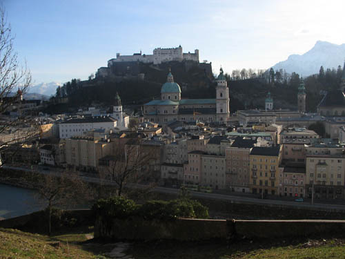 Foto: Lenswork.at / Ch. Streili / Wander Tour / Kapuzinerberg / Blick auf die Stadt Salzburg / 23.04.2007 23:11:58