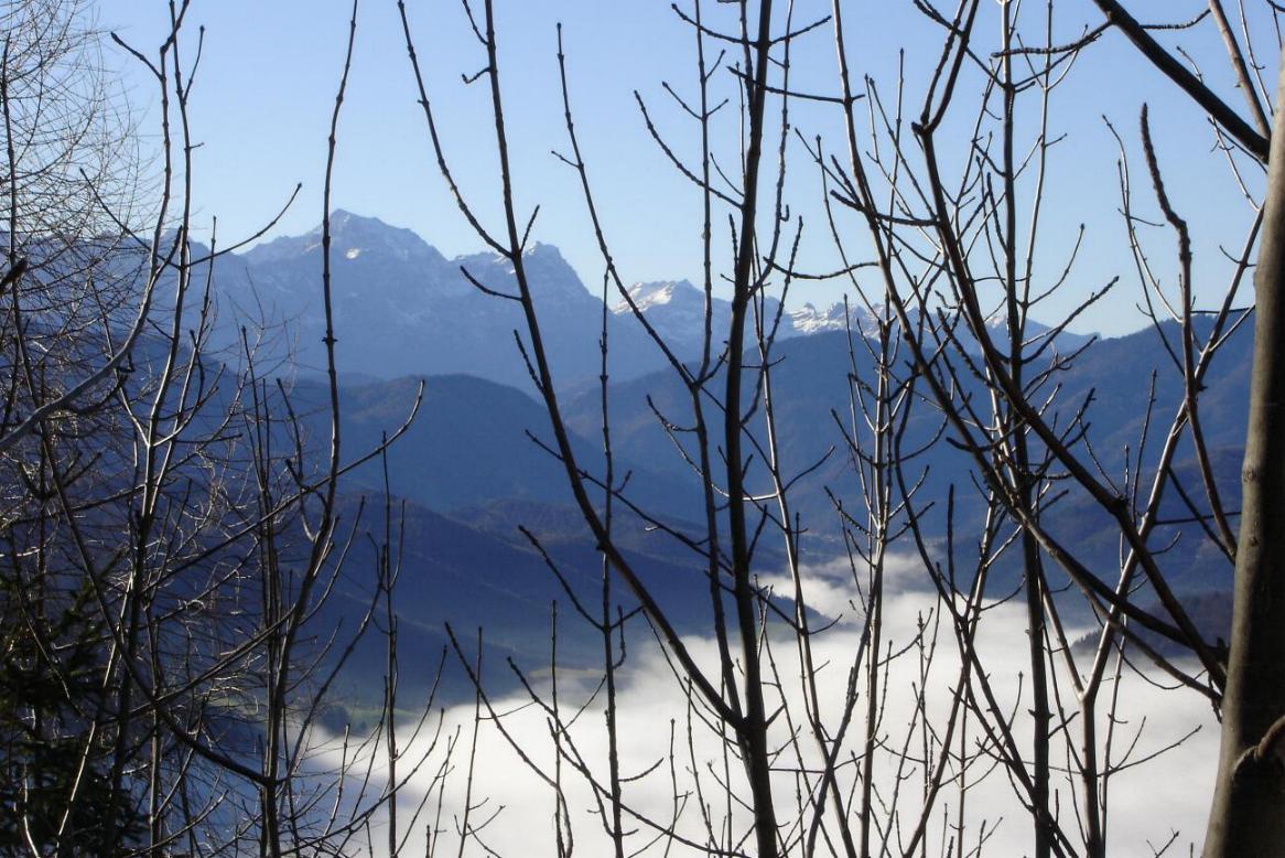 Foto: Werner / Wander Tour / Über die Mollnerhütte auf das Dürre Eck / Weitblick auf's Tote Gebirge ... / 02.01.2007 20:48:39