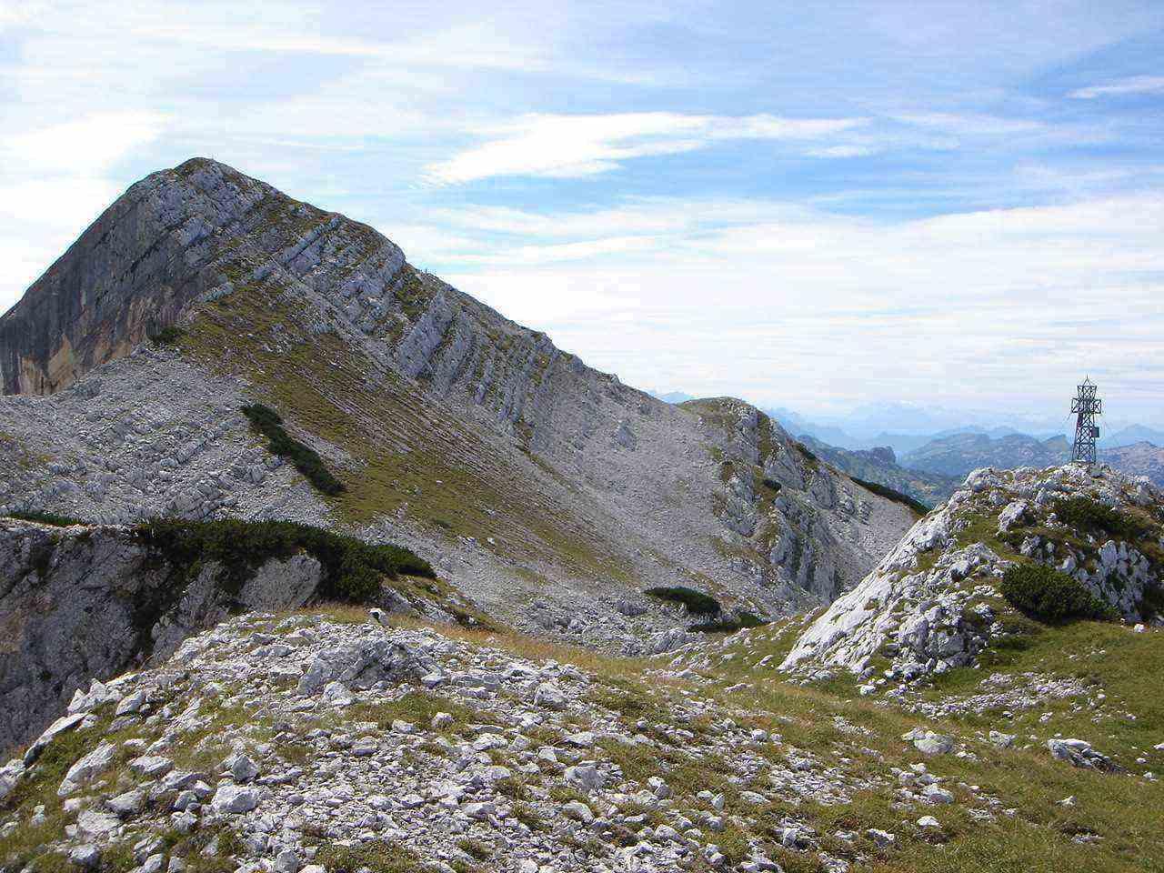 Foto: Manfred Karl / Wander Tour / Auf den Zwölfer über den Grießkarsteig / Vom Nordgipfel zum Hauptgipfel sind es nur ein paar Minuten. / 18.05.2007 14:37:14