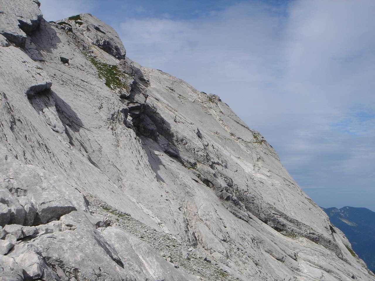 Foto: Manfred Karl / Wander Tour / Auf den Zwölfer über den Grießkarsteig / Blick auf die herrlichen Platten, über die die Route