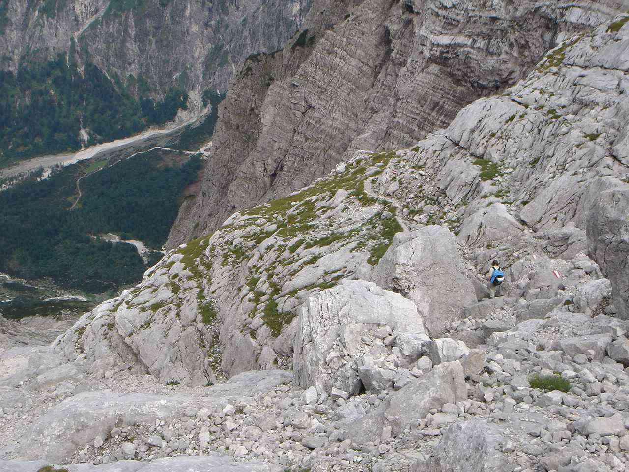 Foto: Manfred Karl / Wander Tour / Auf den Zwölfer über den Grießkarsteig / Oberhalb des Urban-Bandes. / 18.05.2007 14:32:22