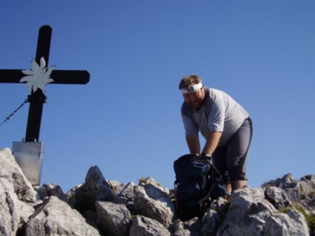 Foto: Rucki / Wandertour / Oberst-Klinke-Hütte - Admonter Kalbling - Sparafeld / Am Gipfel / 24.02.2007 13:26:18