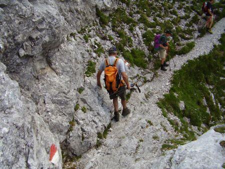 Foto: Rucki / Wandertour / Oberst-Klinke-Hütte - Admonter Kalbling - Sparafeld / Querung an der Westwand, eine der wenigen Stellen, die mit Vorsicht zu genießen ist. / 24.02.2007 13:25:22