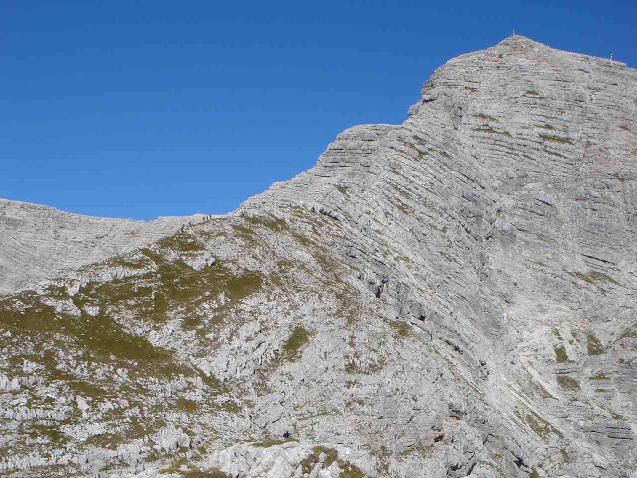 Foto: Manfred Karl / Wander Tour / Warscheneck über den SO-Grat / An schönen Tagen tut sich ganz schön was am Südostgrat. / 05.05.2007 20:55:19
