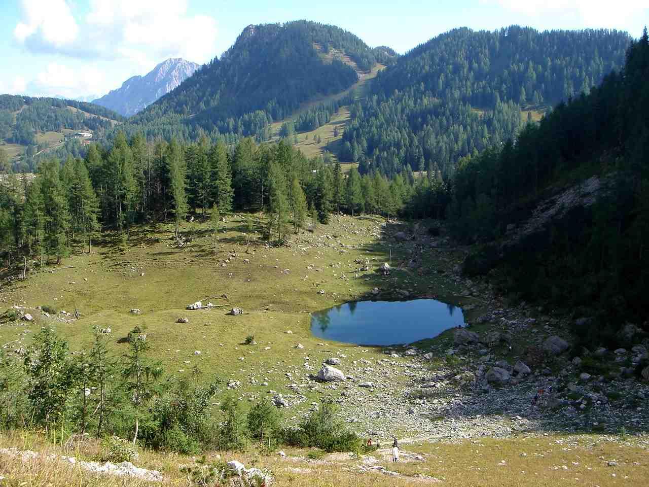 Foto: Manfred Karl / Wandertour / Warscheneck über den SO-Grat / Gemütlicher Ausklang beim Brunnsteiner See. / 05.05.2007 20:45:46