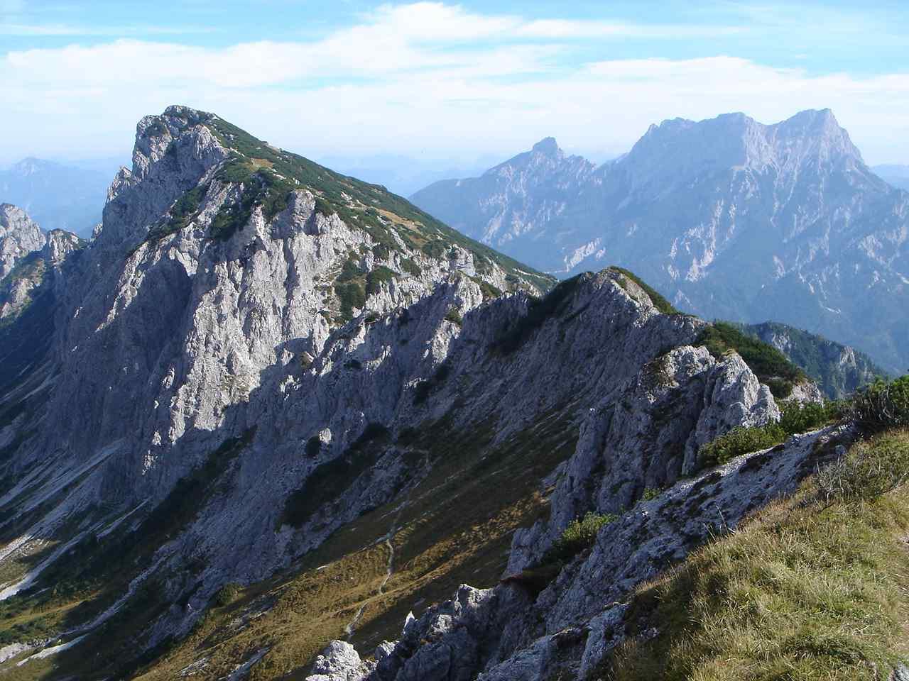 Foto: Manfred Karl / Wander Tour / Grabnerstein - Gipfelrunde / Grabnerstein von der Admonter Warte. / 18.05.2007 14:49:12