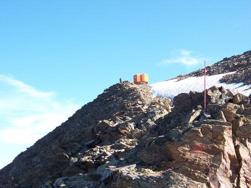 Foto: vince 51 / Wander Tour / Von der Chemnitzer Hütte auf dem Mainzer Höhenweg zur Braunschweiger Hütte / Wassertalkogel mit Biwak / 02.05.2007 22:01:17