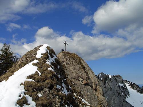 Foto: vince 51 / Wander Tour / Von Linderhof auf den Brunnenkopf / Brunnenkopfgipfel / 06.04.2007 22:57:08