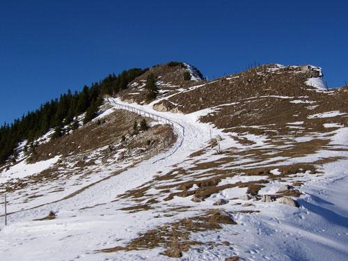 Foto: vince 51 / Wander Tour / Von Pfronten auf den Breitenberg / Hier geht's zum Gipfel / 02.05.2007 22:44:22