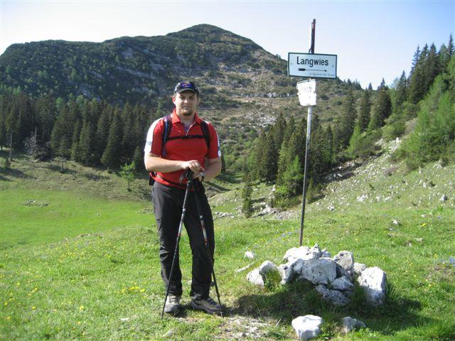 Foto: Jogal / Wander Tour / Überschreitung der Hohen Schrott / Brombergalm; im Hintergrund sieht man den Petergupf / 22.05.2007 06:04:30