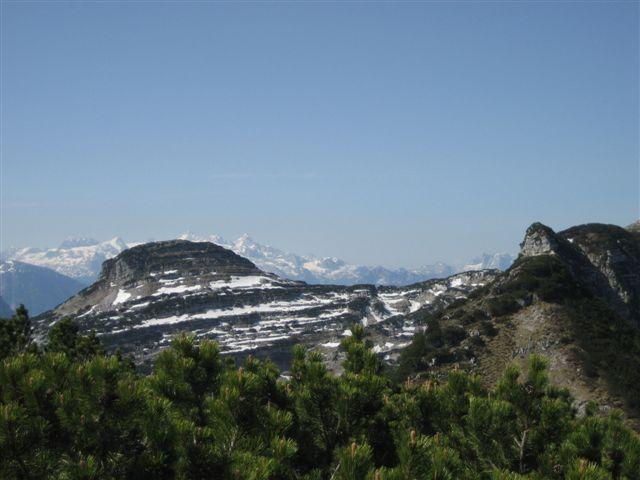 Foto: Jogal / Wander Tour / Überschreitung der Hohen Schrott / Am Weg zum Bannkogel; Blick zum Dachstein / 22.05.2007 06:09:19