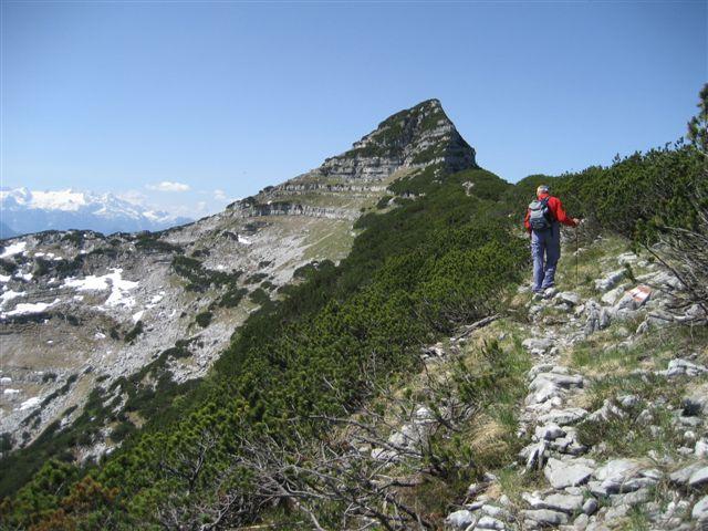 Foto: Jogal / Wander Tour / Überschreitung der Hohen Schrott / Am Bergwerkskogel; Blick zum Mittagskogel den wir links umgehen / 22.05.2007 06:17:41