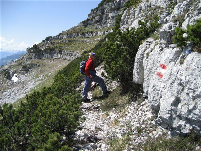 Foto: Jogal / Wander Tour / Überschreitung der Hohen Schrott / Am Weg zur Hohen Schrott; Momentan sind wir unter dem Mittagskogel / 22.05.2007 06:19:24