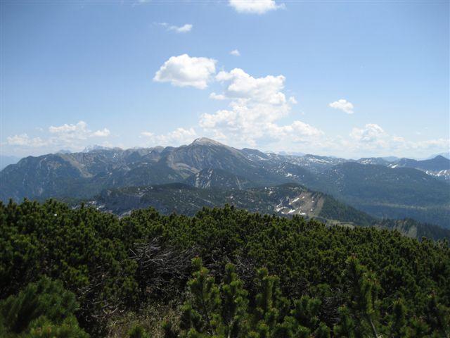 Foto: Jogal / Wander Tour / Überschreitung der Hohen Schrott / Auf der Hohenschrott; Blick ins Tote Gebirge rein - Schönberg / 22.05.2007 06:21:51