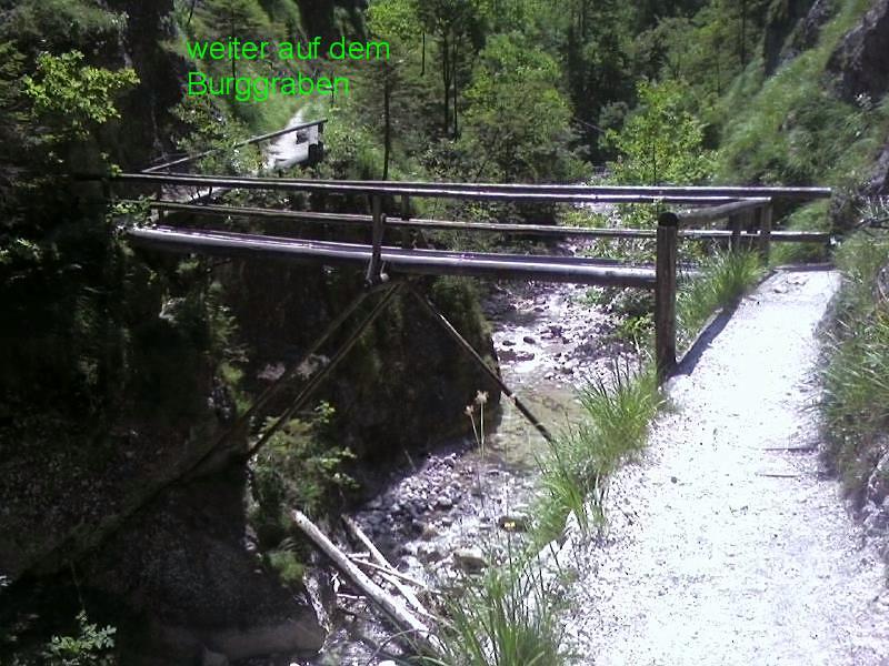 Foto: bergschnecke / Wander Tour / Durch die Burggrabenklamm auf die Eisenauer Alm, 1015m / ein sehr schöneTour. aber Vorsicht zum Teil sind Geländer abgebrochen oder alt! Trittsicherheit / 24.07.2007 21:53:09