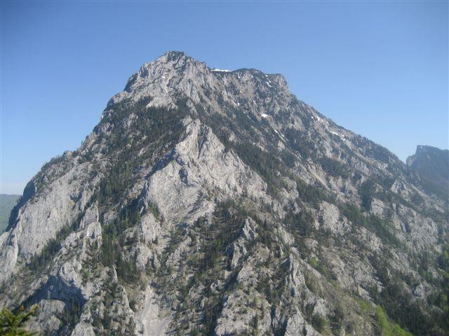Foto: Alpinfreunde / Wander Tour / Kleiner Schönberg bei Gmunden / Blick vom Gipfel des Schönberges auf den Traunstein / 10.01.2007 18:50:00