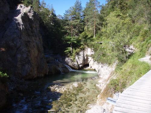 Foto: Woody / Wander Tour / Ötschergräben - Grand Canyon Niederösterreichs / Ausblick nach ca. 1,5 h Gehzeit. Ausgangspunkt Erlaufboden in Richtung 'Ötscher Hias'. / 17.08.2007 10:04:38