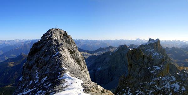 Foto: vince 51 / Wander Tour / Grosser Drusenturm, 2830m / Mittlerer und kleiner Turm mit Sulzfluh / 28.01.2007 21:20:12