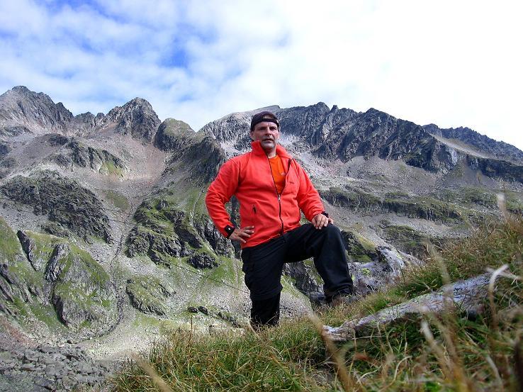 Foto: Andreas Koller / Wander Tour / Petzeck - höchster Gipfel der Schobergruppe (3283 m) / In der Unteren Seescharte mit Blick auf die Perschitzköpfe (3125 m) und den Kruckelkopf (3181 m) / 18.08.2007 12:45:11