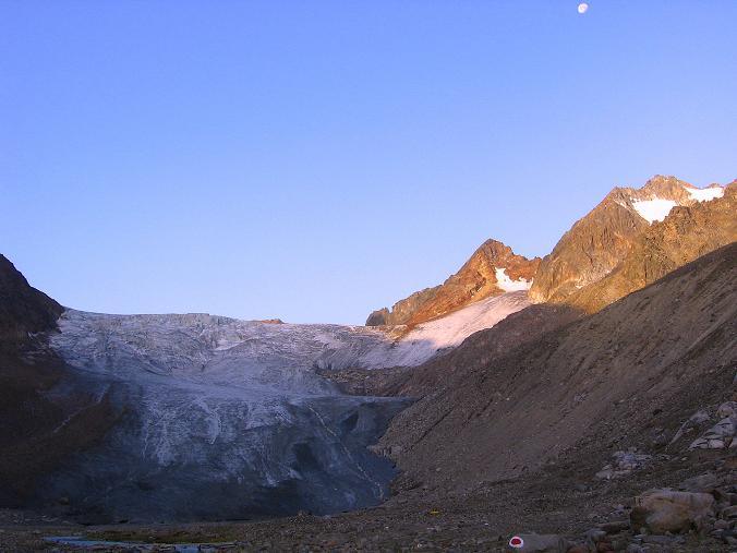 Foto: Andreas Koller / Wander Tour / Ruderhofspitze - eine anspruchsvolle Gletschertour im Stubai (3474 m) / Gletscherzunge des Alpeiner Ferners / 08.08.2007 13:26:13