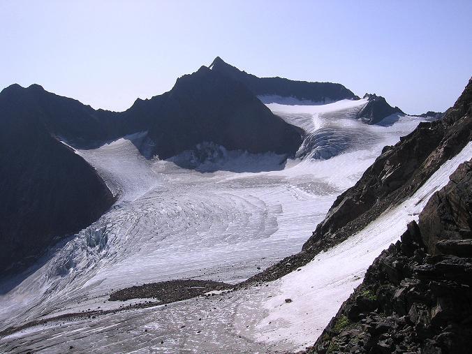 Foto: Andreas Koller / Wander Tour / Ruderhofspitze - eine anspruchsvolle Gletschertour im Stubai (3474 m) / Die Ruderhofspitze mit der Anstiegsroute (über den Gletscher und den Grat von rechts) / 08.08.2007 13:25:18