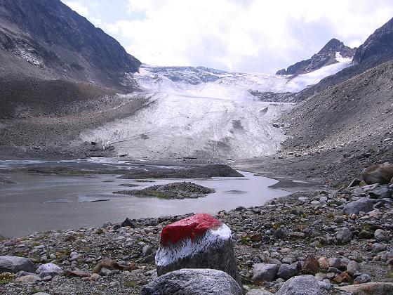 Foto: Andreas Koller / Wander Tour / Ruderhofspitze - eine anspruchsvolle Gletschertour im Stubai (3474 m) / Gletscherzunge des Alpeiner Ferners / 08.08.2007 13:24:16