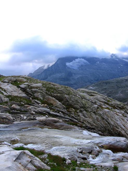 Foto: Andreas Koller / Wander Tour / Stubacher Sonnblick (3088 m) / Gletscherbach im Anstieg / 17.08.2007 13:18:20