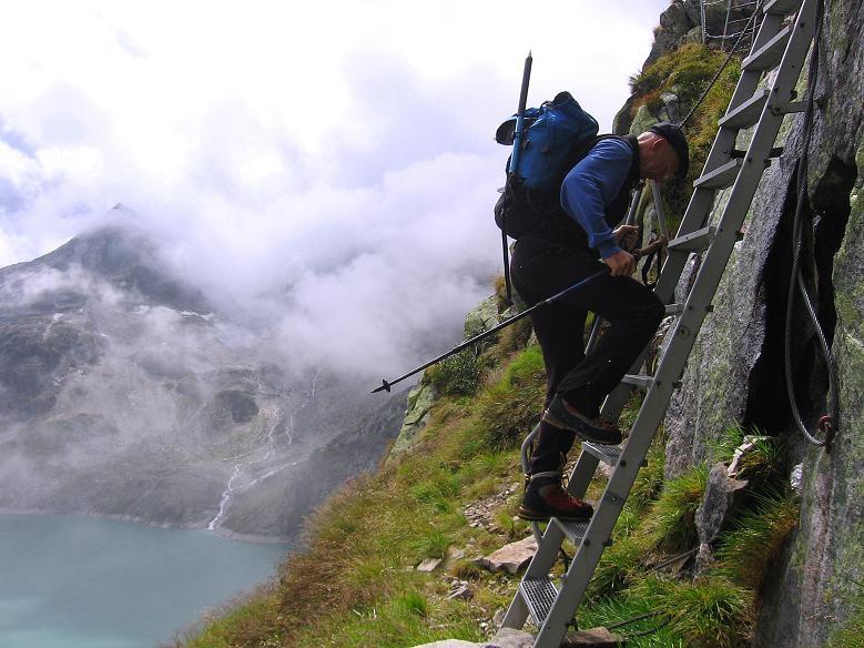Foto: Andreas Koller / Wander Tour / Stubacher Sonnblick (3088 m) / Abstieg am versicherten H. Gruber Weg / 17.08.2007 13:14:32