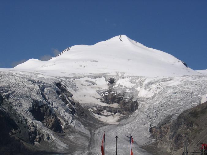 Foto: Andreas Koller / Wander Tour / Über die Oberwalderhütte auf den Johannisberg (3463 m) / Der Johannisberg von der Franz Josefs Höhe / 28.05.2007 23:37:47