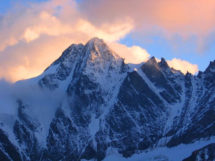 Foto: Andreas Koller / Wander Tour / Über die Oberwalderhütte auf den Johannisberg (3463 m) / Großglockner (3798 m) / 28.05.2007 23:42:16