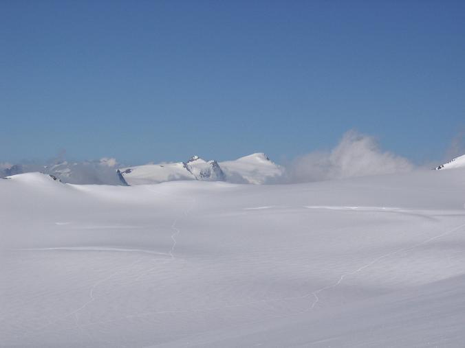 Foto: Andreas Koller / Wander Tour / Über die Oberwalderhütte auf den Johannisberg (3463 m) / Oberer Pasterzenboden und Großvenediger (3674 m) / 28.05.2007 23:43:00