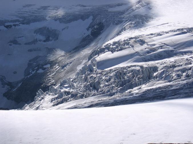 Foto: Andreas Koller / Wander Tour / Über die Oberwalderhütte auf den Johannisberg (3463 m) / Hufeisenbruch der Pasterze / 28.05.2007 23:39:49
