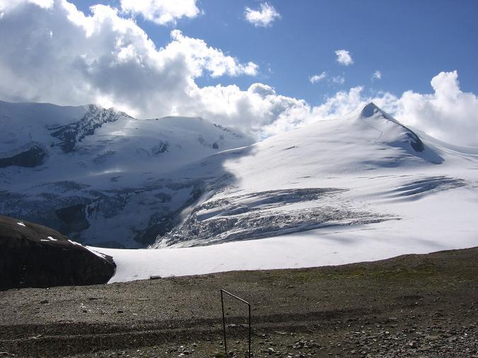 Foto: Andreas Koller / Wander Tour / Über die Oberwalderhütte auf den Johannisberg (3463 m) / Johannisberg und Eiskögele (3426 m) / 28.05.2007 23:41:05