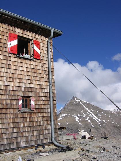 Foto: Andreas Koller / Wander Tour / Über die Oberwalderhütte auf den Johannisberg (3463 m) / Oberwalderhütte und Fuscherkarkopf (3331 m) / 28.05.2007 23:41:34