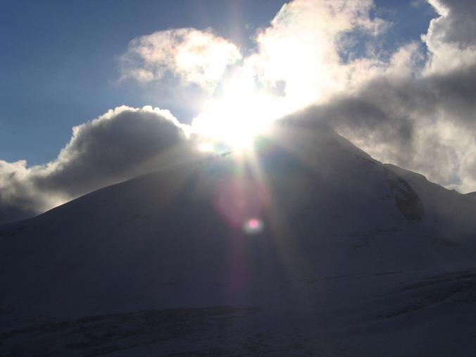 Foto: Andreas Koller / Wander Tour / Über die Oberwalderhütte auf den Johannisberg (3463 m) / Johannisberg im Sonnenuntergang / 28.05.2007 23:41:59