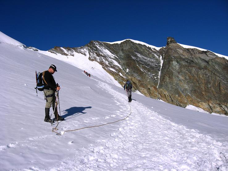 Foto: Andreas Koller / Wander Tour / Allalinhorn - Modeberg über Saas Fee (4027 m) / Ansteig vom Mittelallalin / 09.08.2007 14:52:27