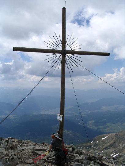 Foto: Andreas Koller / Wandertour / Preber und Golzhöhe (2740 m) / Preber-Gipfelkreuz / 09.05.2007 17:15:10