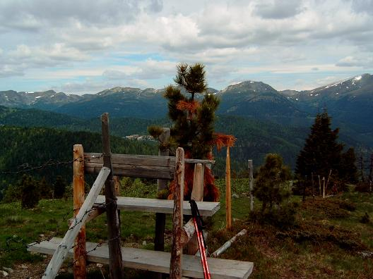 Foto: Andreas Koller / Wandertour / Große Turracher Gipfel-Runde (2441 m) / Blick in die nördlichen Nocke / 09.05.2007 21:07:43