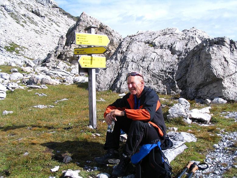 Foto: Andreas Koller / Wander Tour / Aus dem Riedingtal im Lungau auf das Mosermandl (2680 m) / Rast in der Windischscharte / 17.08.2007 10:32:43