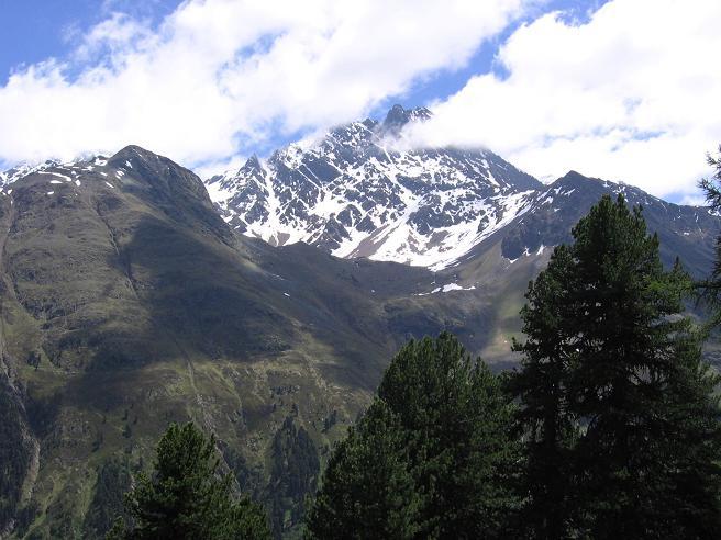 Foto: Andreas Koller / Wander Tour / Aachener Höhenweg und Atemkogel (3010 m) / Vordere Ölgrubenspitze (3459 m) / 10.05.2007 17:28:13