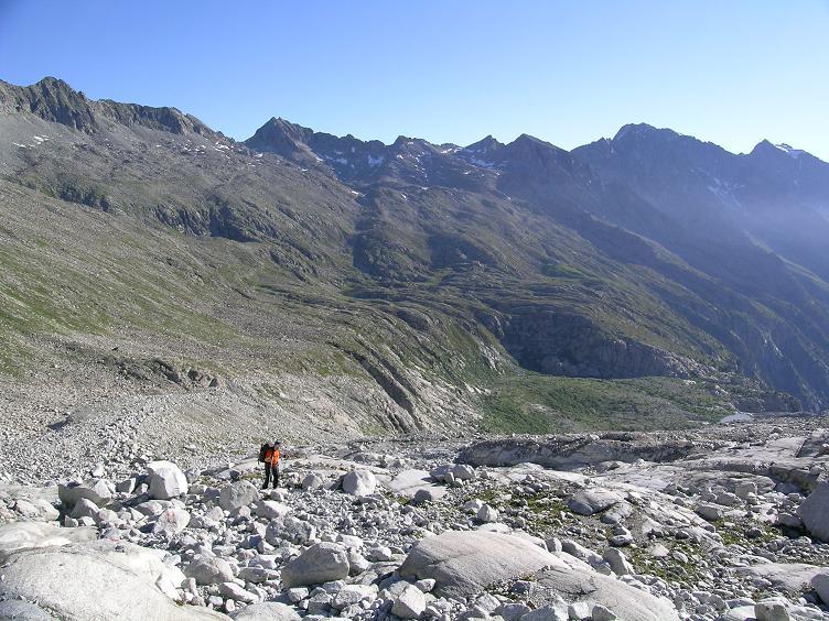 Foto: Andreas Koller / Wandertour / Cresta Croce und Cannone 149 (3330 m) / Früh am Morgen Aufstieg vom Rif. Mandron / 15.05.2007 23:37:27