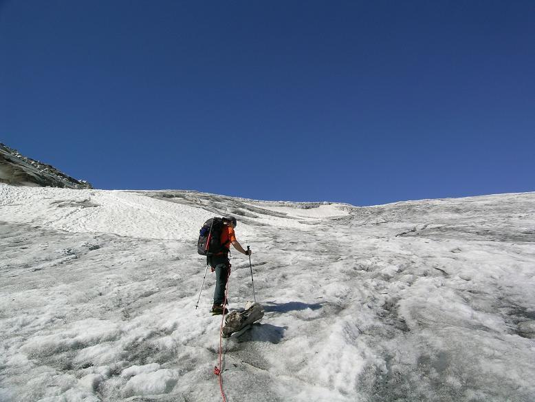 Foto: Andreas Koller / Wander Tour / Cresta Croce und Cannone 149 (3330 m) / Die Route führt über den Ghiacciaio del Adamello  / 15.05.2007 23:37:01