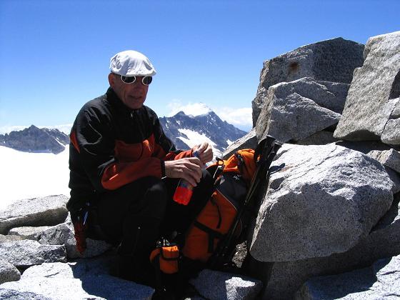 Foto: Andreas Koller / Wandertour / Cresta Croce und Cannone 149 (3330 m) / Am Gipfel der Cresta Croce / 15.05.2007 23:35:55