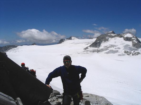 Foto: Andreas Koller / Wandertour / Cresta Croce und Cannone 149 (3330 m) / Blick nach W auf den Adamello (3554 m) / 15.05.2007 23:34:16