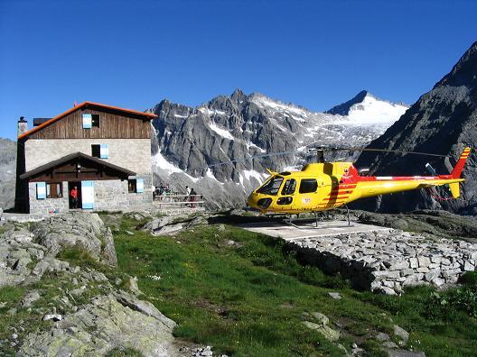 Foto: Andreas Koller / Wandertour / Cresta Croce und Cannone 149 (3330 m) / Rif. Mandron mit Trentiner Hubschrauber / 15.05.2007 23:38:22