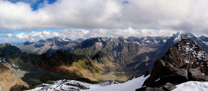 Foto: vince 51 / Wandertour / Von der Amberger Hütte auf die Kuhscheibe / Panorama Nord bis Ost / 02.05.2007 21:31:40