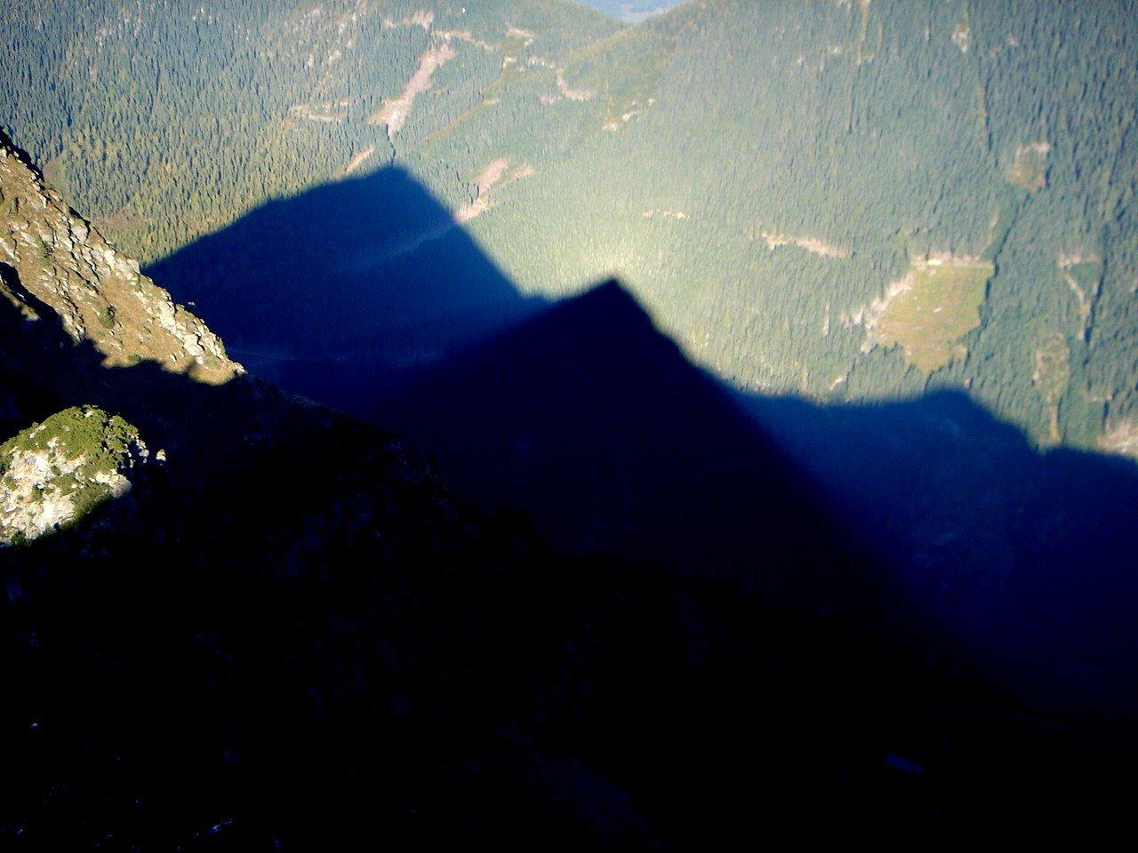 Foto: Manfred Karl / Wander Tour / Gipfelrunde von der Reiteralm auf den Schober (2133m) / Schattenspiele / 19.06.2007 05:59:18