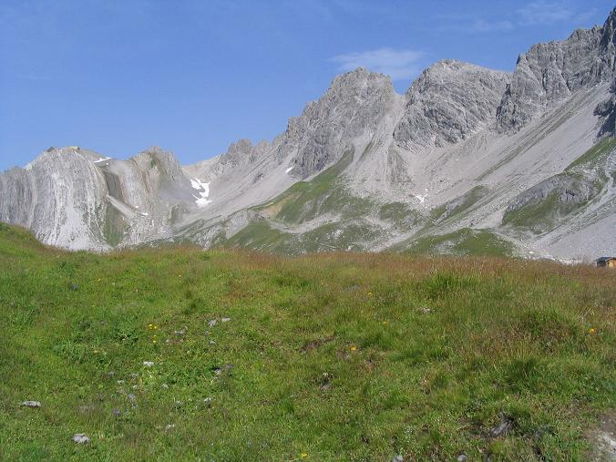 Foto: Andreas Koller / Wandertour / Hoch über St. Anton auf den Stanskogel (2757m) / Lechtaler Alpen / 23.05.2007 20:33:45