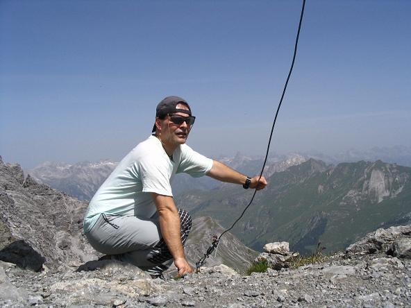 Foto: Andreas Koller / Wandertour / Hoch über St. Anton auf den Stanskogel (2757m) / Am Stanskogel-Gipfel / 23.05.2007 20:31:35